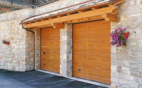 Finextra riccione finestre persiane ed oscuranti - Portoni garage con finestre ...