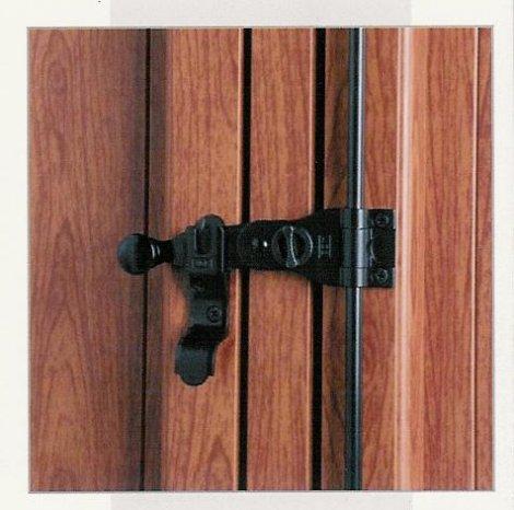 Chiusura persiane pannelli termoisolanti - Ferramenta per chiusura finestre ...